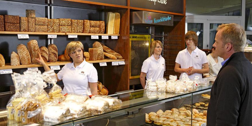 Fast 60 Prozent der Verbraucher vertrauen Handwerksbäckern voll, wenn es um die Lebensmittelqualität geht.