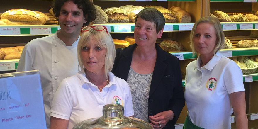 Besuch in der Hercules-Bäckerei (von links): Bäckermeister Johannes Dackweiler, Elke Römlinghoven, Bundesumweltministerin Barbara Hendricks und Iwona Cischak. Kähler