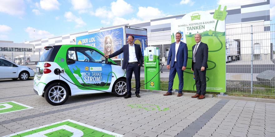In diesem Jahr will Lidl 20 Schnellladestationen für Elektroautos installieren.