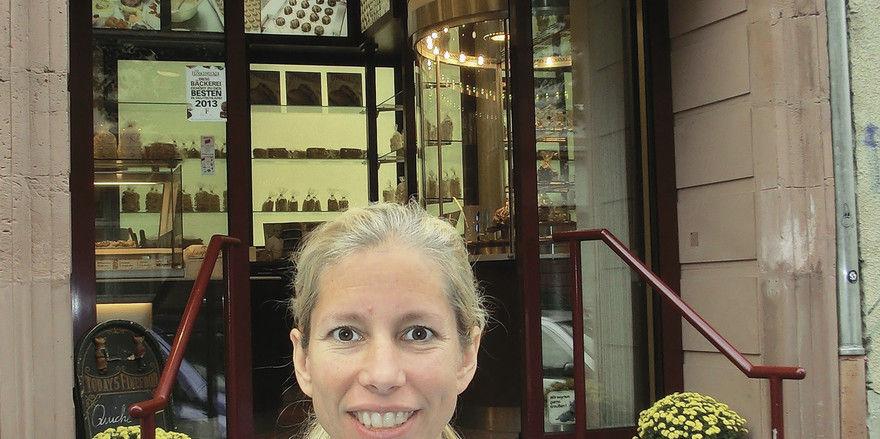 Andrea Kronberger, Inhaberin der gleichnamigen Bäckerei, bietet ihren Kunden sowohl Backwaren als auch Patisserie-Produkte an.