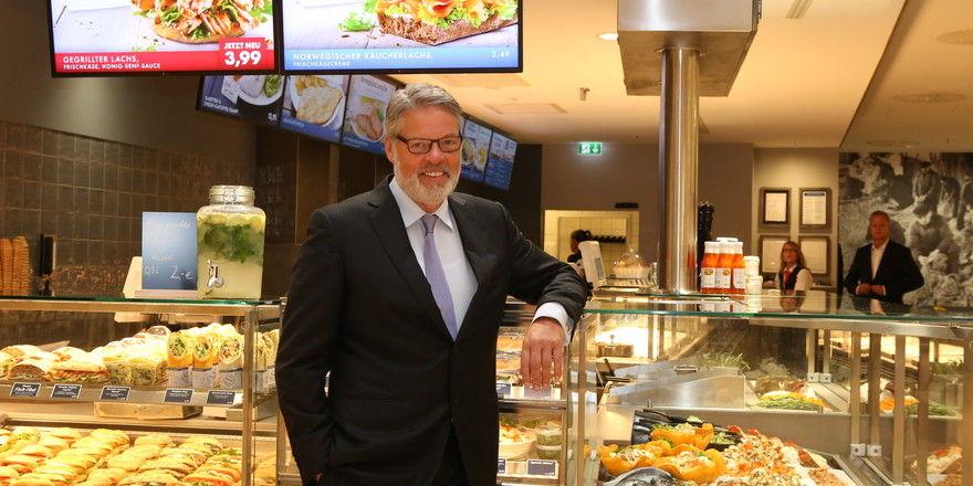 Heiner Kamps, ehemaliger Großbäcker und einer der zwei Eigentümer des Schnellrestaurants Nordsee, soll bereits die Suche nach einem neuen Eigentümer für die Fast-Food-Kette in Auftrag gegeben haben.
