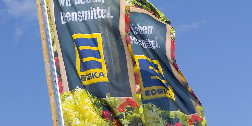 Edeka hat sich nun zu den Vorwürfen der NGG geäußert: Angestellte der Backstube Wünsche müssten sich nicht um Löhne und Arbeitsplätze sorgen.