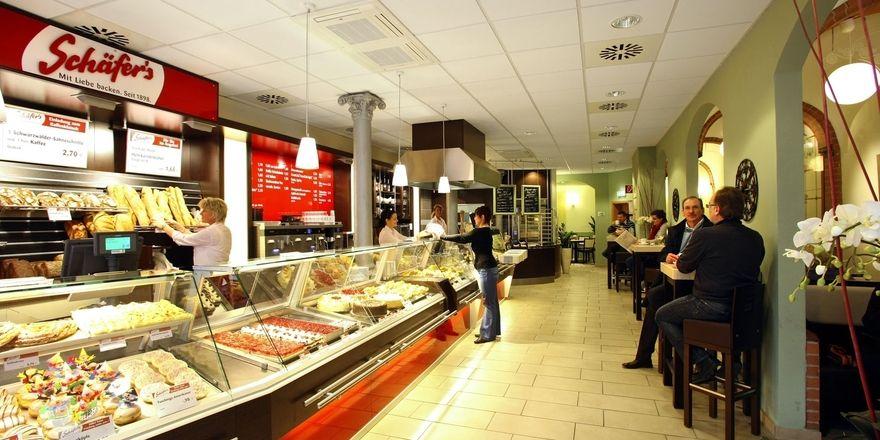 Die Logistik und Kommissionierung der Bäckerei Schäfer´s wird verlegt, um die Belieferung mit Backwaren an Kunden sicherzustellen.