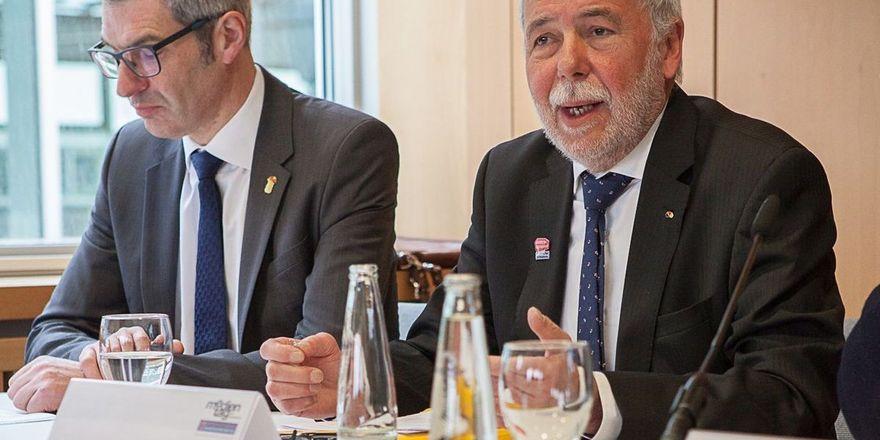 Gerhard Schenk, Präsident des Deutschen Konditorenbunds und Michael Wippler, Präsident des Zentralverbands des Deutschen Bäckerhandwerks e.V. (v.l.).