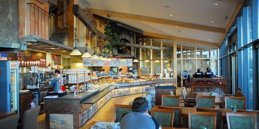 Mit den geplanten Änderungen des Thüringer Gaststättengesetztes dürfen Bäckerei-Cafés auch Sonn- und Feiertags verkaufen.