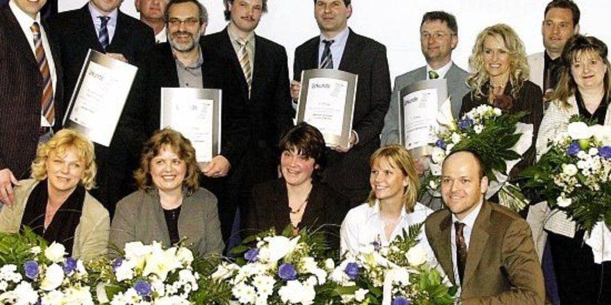 """Die Auszeichnung """"Top-Gründer-Preis im Handwerk"""" wurde in diesem Jahr zum neunten Mal verliehen. Um den vom """"Handwerksmagazin"""" ausgelobten Preis hatten sich mehr als 100 Unternehmen beworben. Mit dem """"Nachfolgerpreis 2006"""" wurde Bäcker- und Konditorm"""