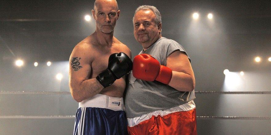 Kämpfen nun vor der Kamera (v.l.): Schauspieler Simon Licht als Industriebäcker Manfred Frisch und Winfried Wagner als Handwerksbäcker Walter Laible.