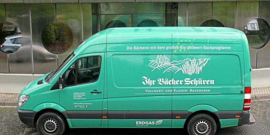 Die Bäckerei Schüren setzt unter anderem mit Erdgas-Autos und E-Mobilität auf Nachhaltigkeit.