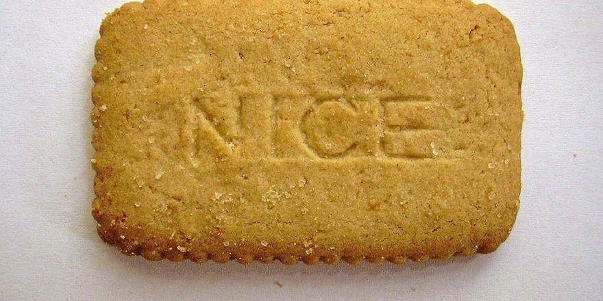 Selbstgestaltete Kekse mit Aufschrift oder einem Bildmotiv lassen sich gut verschenken.