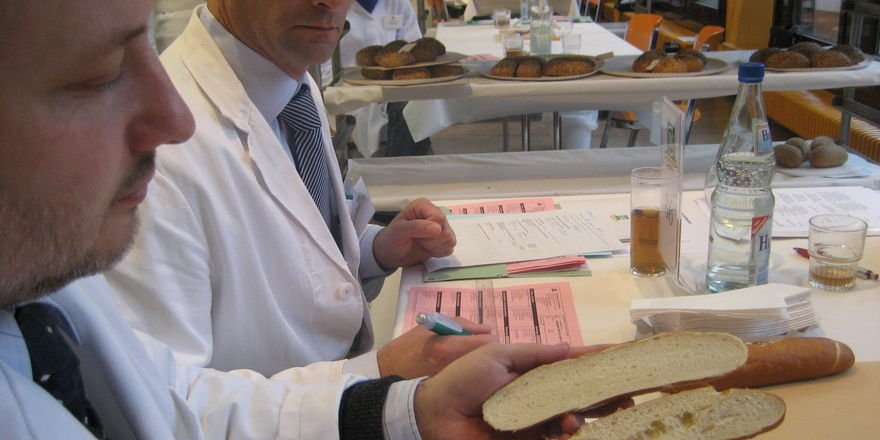 Im Zentrum der DLG-Qualitätsprüfungen steht die sensorische Analyse der Lebensmittel auf Aussehen, Geruch, Geschmack und Konsistenz.