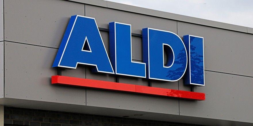 Aldi bietet künftig nur noch Mehrwegtragetaschen aus Recyclingmaterial an.