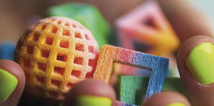 Formen und Farben für Feingebäck-Dekorelemente aus dem 3D-Drucker.