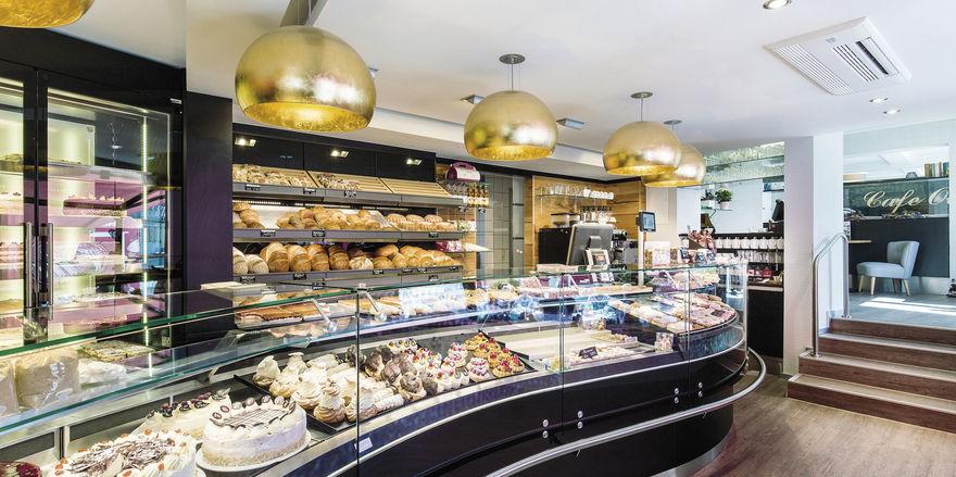 Der Laden von Michael Otto nach dem Umbau mit neuer Theke, neuer Beleuchtung und dem ebenfalls neu gestalteten Cafébereich.
