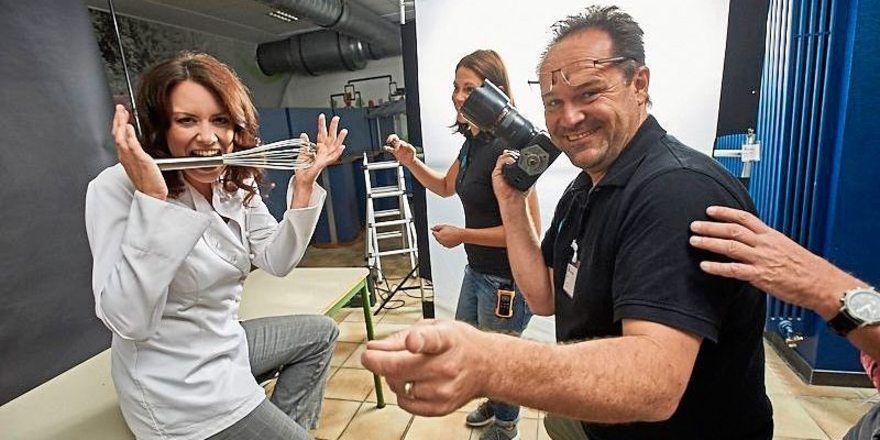 "Konditormeisterin Sandra Frohn beim Shooting für den Kalender ""Germany's Power People""."