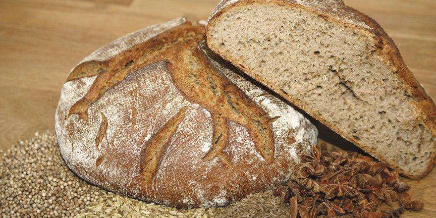 ... eher traditionell das Vinschgauer Brot mit Sternanis.