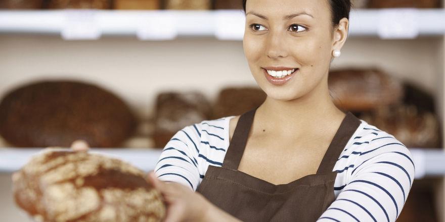 Motiviertes, gut bezahltes Personal verkauft hochwertige Produkte zu entsprechenden Preisen.