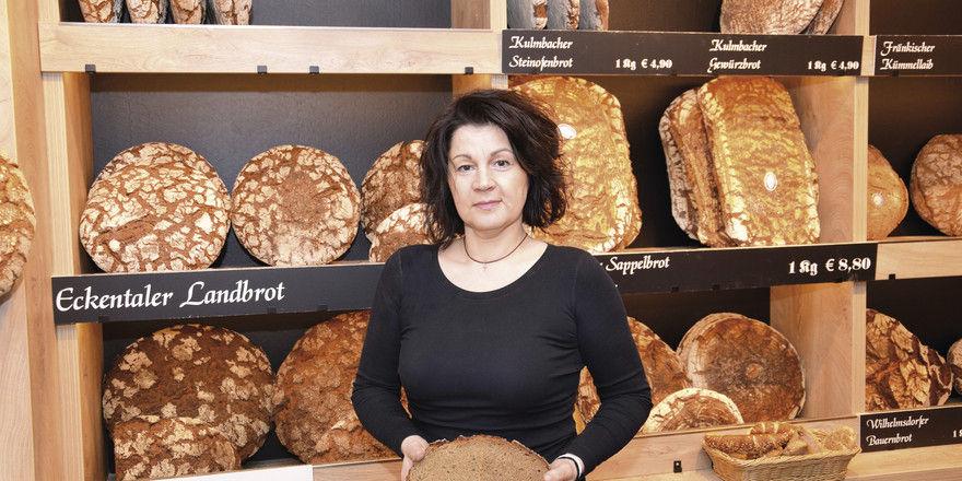 Geschäftsführerin Sabine Teich setzt auf ausgesuchte Brotsorten. Die Wurst und den Käse für die belegten Brote verkauft sie auch im Laden.