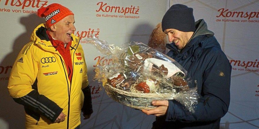 Stargast Felix Neureuther (r.) mit Backaldrin-Chef Peter Augendopler.