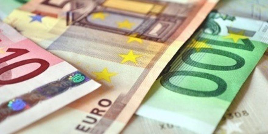 Es laufen die Gespräche, wie viel mehr Geld die Beschäftigten des bayerischen Bäckerhandwerks bekommen sollen.