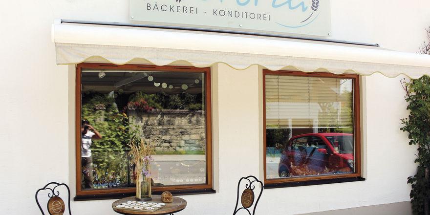 Die Geschwister Gisela und Johannes Schilcher betreiben die kleine Bäckerei in einem bayerischen Dorf seit Herbst vergangenen Jahres.