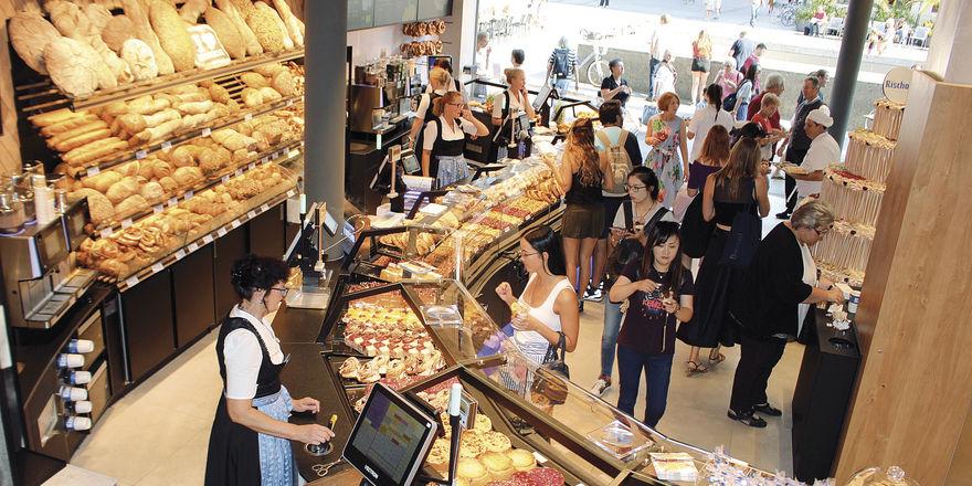 Rekordwert: 1,2 Millionen Kunden und Gäste kommen jährlich in die Bäckerei Rischart am Marienplatz in München.