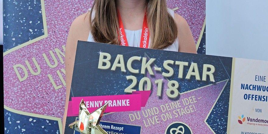 Jenny Franke freut sich über ihren Preis.