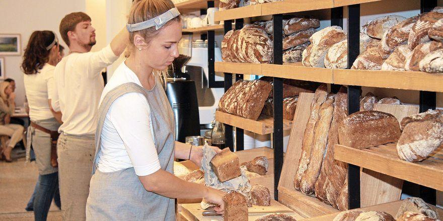 Joseph Brot hat im 7. Bezirk in Wien eine Filiale eröffnet, auch dort wird unter anderem Brot verkauft.