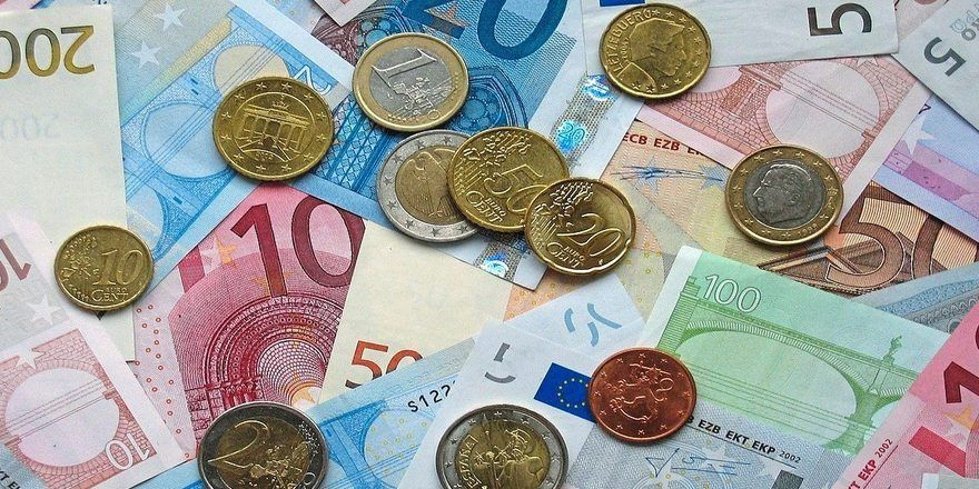 Die Mindestausbildungsvergütung soll im ersten Lehrjahr auf 504 Euro festgelegt werden.