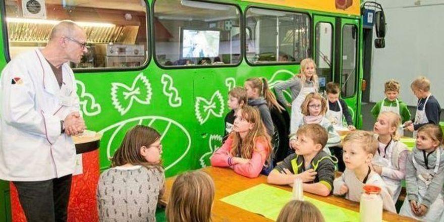 Auch in diesem Jahr wieder auf der Grünen Woche: der Backbus des Zentralverbandes.
