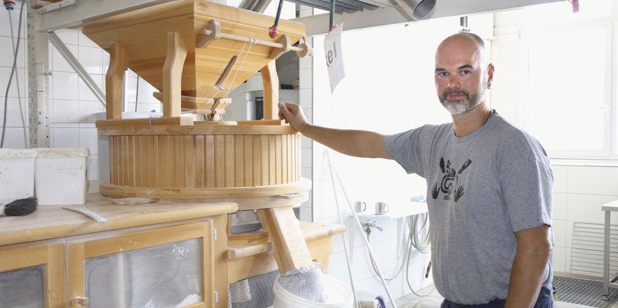 Eine von dreien: Das Mehl für seine Backwaren mahlt Andreas Wittmaack in Osttiroler Mühlen.