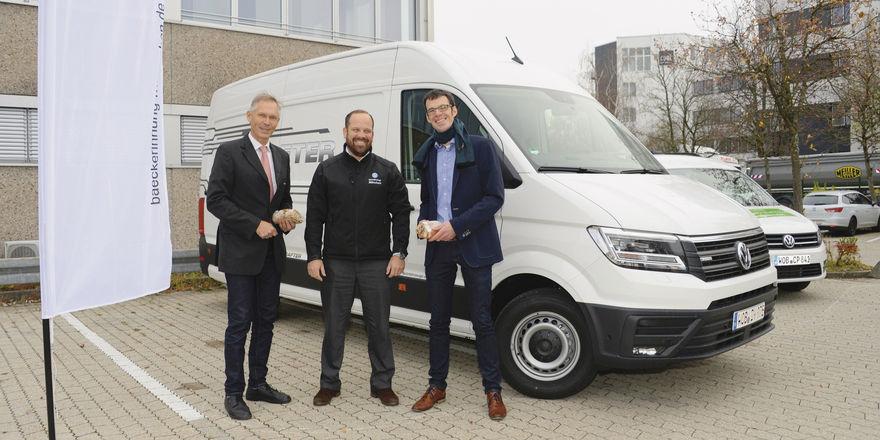 Innungsgeschäftsführer Markus Droth (v. l.), Michael Mann von der Mahag und Christoph Jung von VW Nutzfahrzeuge Deutschland.