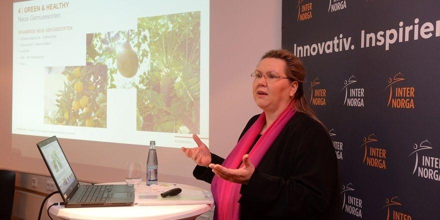 Karin Tischer tischt mit Verweis auf die Internorga die neuen Foodtrends auf.
