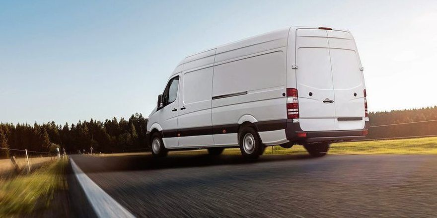 Lieferfahrzeuge sind schnell und wendig, deren Fahrverhalten wird oft unterschätzt.