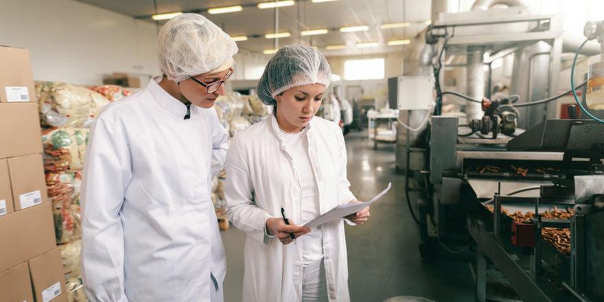 Stellen Lebensmittelkontrolleure in Betrieben größere Hygiene-Verstöße fest, sollen die nach dem Willen der hessischen Landesregierung veröffentlicht werden.