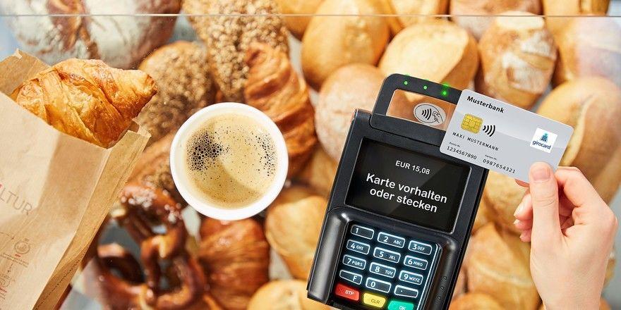 Das Bargeld-Handling entfällt: Kleinbetragszahlungen können durch die Kontaktlostechnologie schneller abgewickelt werden.