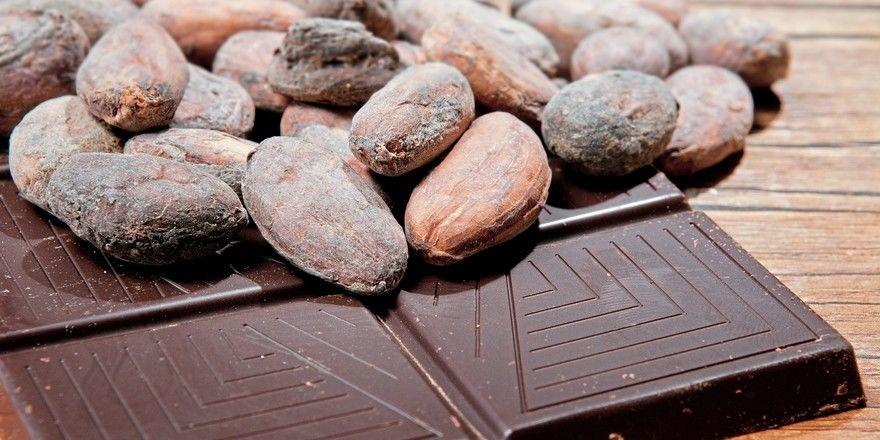 Der Preis für Kakao hat angezogen, weil die Erzeugerländer Elfenbeinküste und Ghana Druck machen.