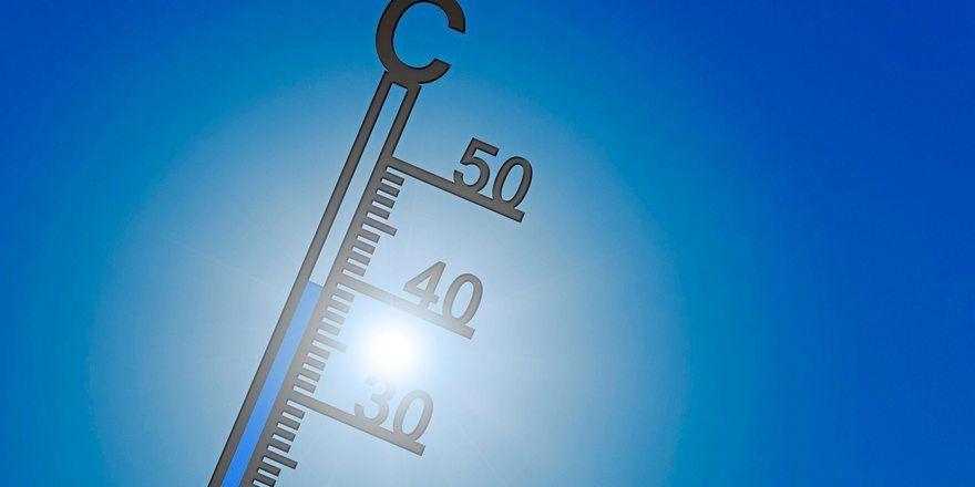 Das Thermometer an der 40-Grad-Marke: Das bedeutete hitzefrei für Mitarbeiter der Bäckerei Schollin.