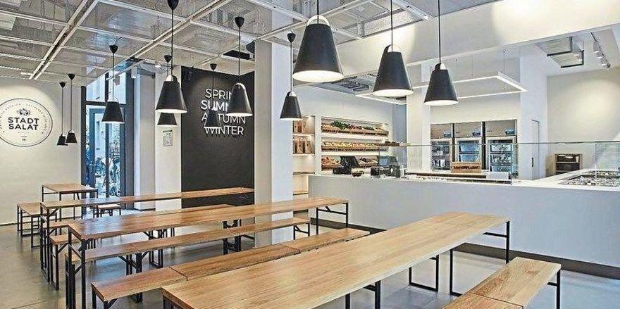 Blick in den Gastraum: Das neue Stadtsalat-Restaurant in Berlin.