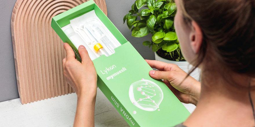 Erst testen, dann essen: Kunden können sich ihr Müsli ganz individuell zusammenstellen lassen.