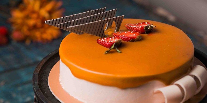 Über mehrere Monate soll ein Mann Kuchen im Wert von insgesamt 80.000 Euro gestohlen haben.