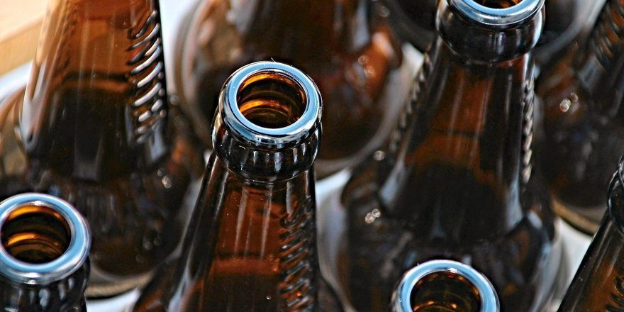 Im Handel werden Getränke in Mehrwegflaschen immer weniger.