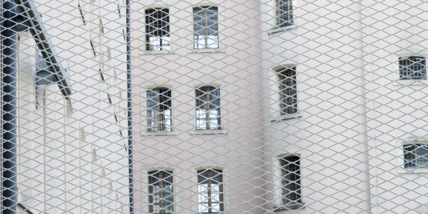 Seit Freitag sitzt Naser Samadi in Abschiebehaft.