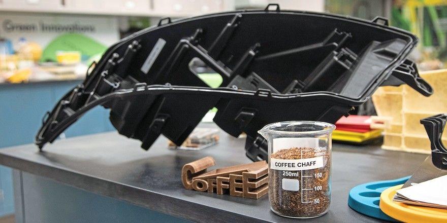 Die Schalen gerösteter Kaffeebohnen möchte Ford künftig zur Herstellung von Scheinwerfergehäusen verwenden.