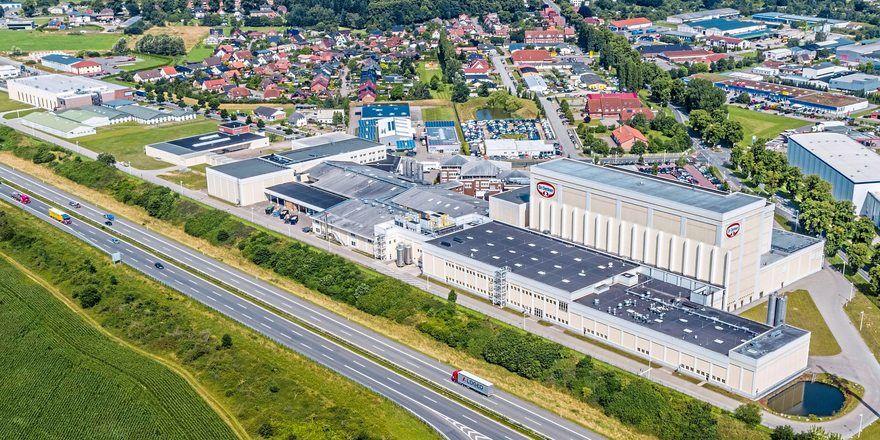 Das Dr. Oetker Werk in Wittenburg im Jahr 2017 - in zwei Jahren soll ein weiteres Gebäude hinzukommen.