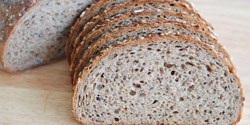 """Werden bei der Brotherstellung technische Enzyme zugesetzt, sollte das nach einer Forderung des Vereins """"Die Freien Bäcker"""" deklariert werden."""