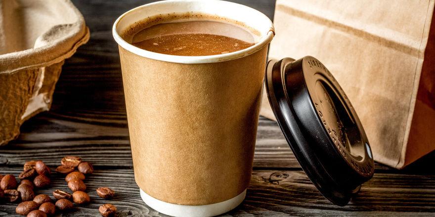 Aktuell sind Verbraucher auf einen Kaffee to go angewiesen.