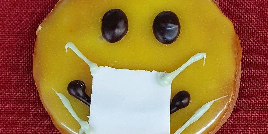 Mit Maske schwieriger: das freundliche Lächeln beim Einkauf.