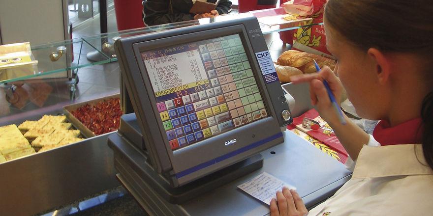 Bis Ende September müssen Kassensysteme umgestellt werden.