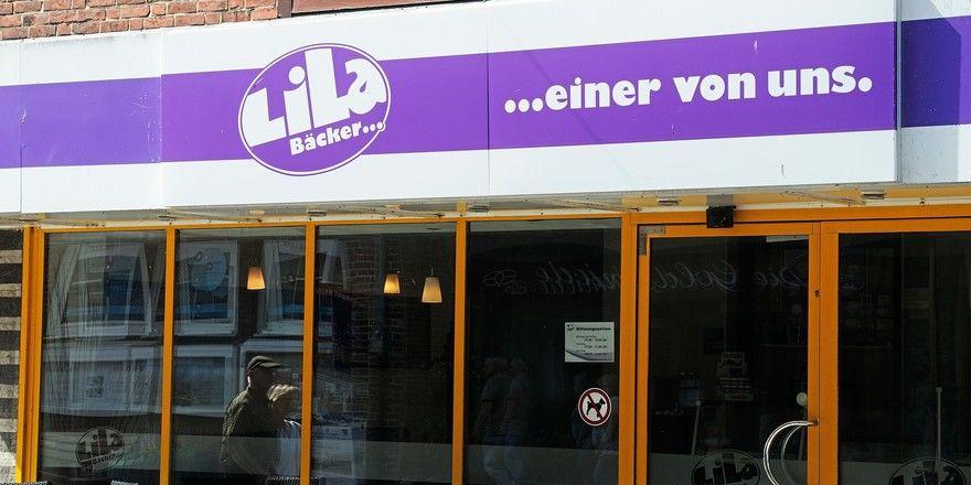 Die Geschäftsführung der Bäckereikette Lila Bäcker ordnet das Filialnetz neu.