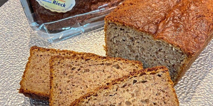 Das Bananenbrot der Bäckerei Rieck wird nach Rezept des Fußballtrainers Frank Schmidt gebacken.
